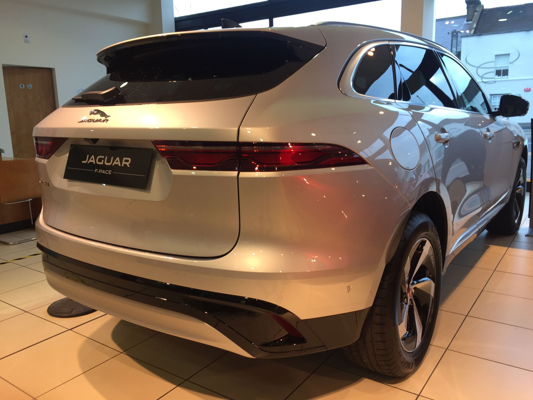 Jaguar F-PACE Stock cars available Immediately with all models available for early delivery.  image 7